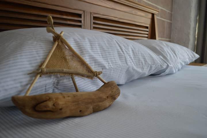 CUNDA INN HOTEL ROOM