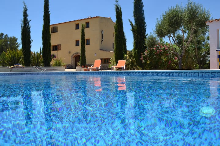 Large secluded villa, pool, views