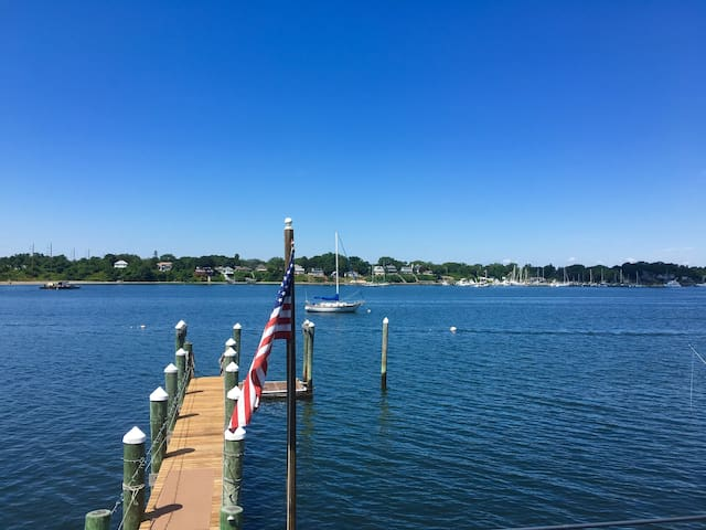 The Dockside - Large Waterfront & Very own Dock!
