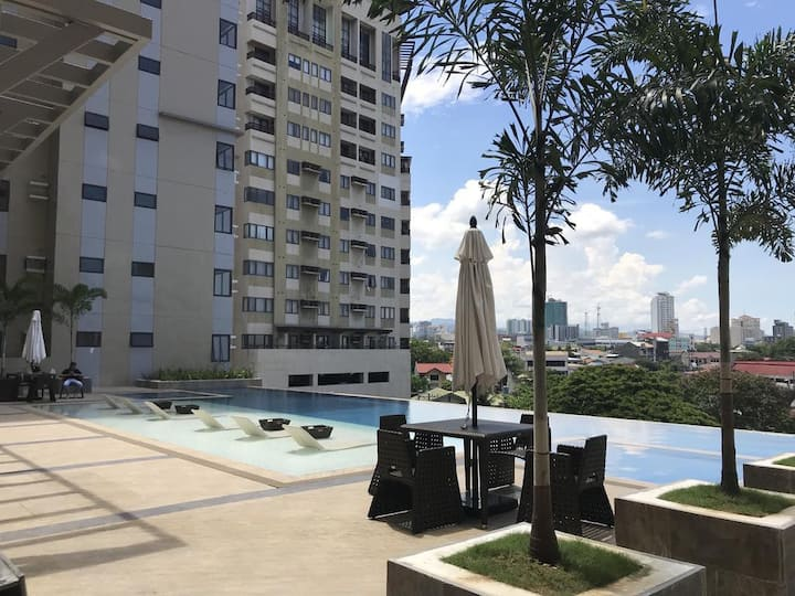 NEW & AFFORDABLE STUDIO NEAR AYALA AND SM CITY
