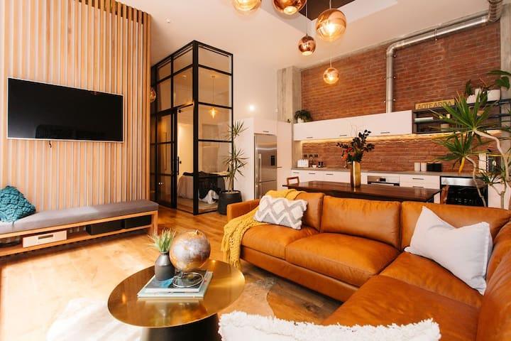 Anzac South Loft Apartment (4 Bedrooms)