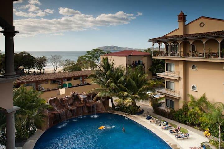 2 BR Ocean View Condo in the heart of Tamarindo! (SR 43)