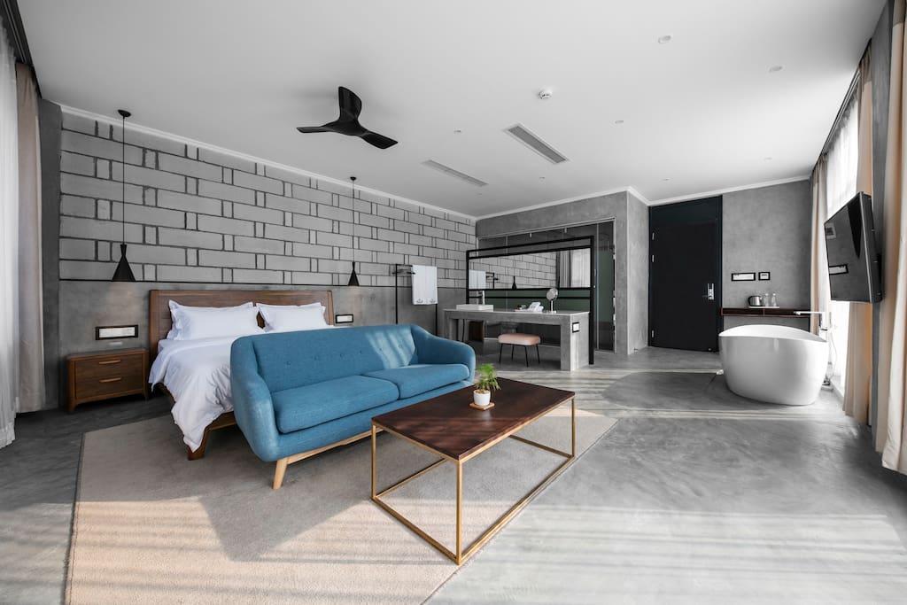 【北一间】一个只有两面墙的房间,配Toto豪华大浴缸,一屋子的阳光..