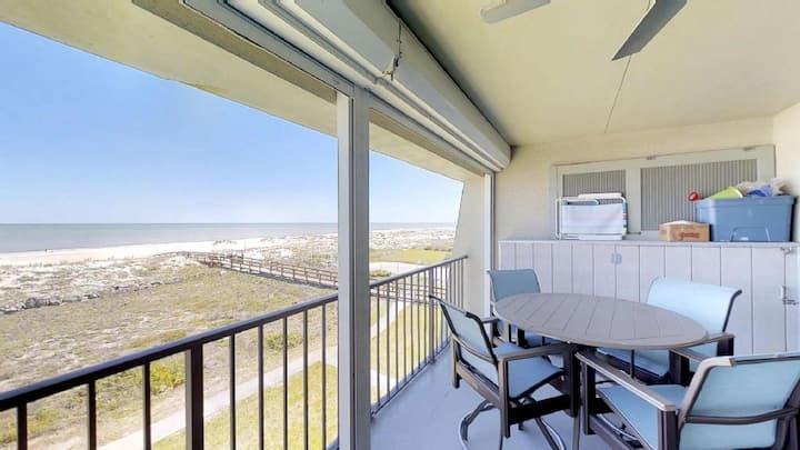 Island South 10 - Updated 2 bedroom Oceanfront top floor condo with amazing ocean view, pool , and beach access