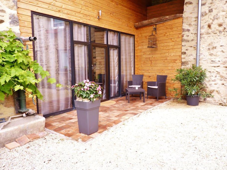 Suite romantique avec jacuzzi et sauna privatifs - Bed ...