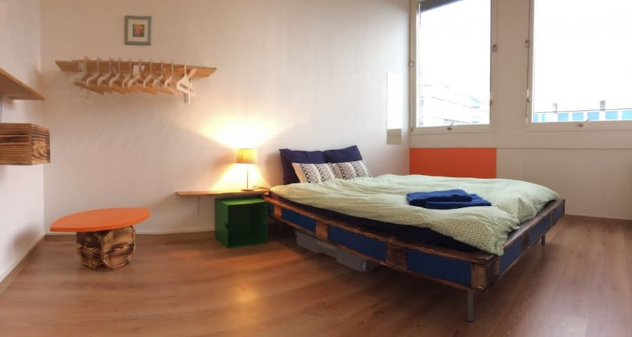 ★Private room in a co-living experience ★