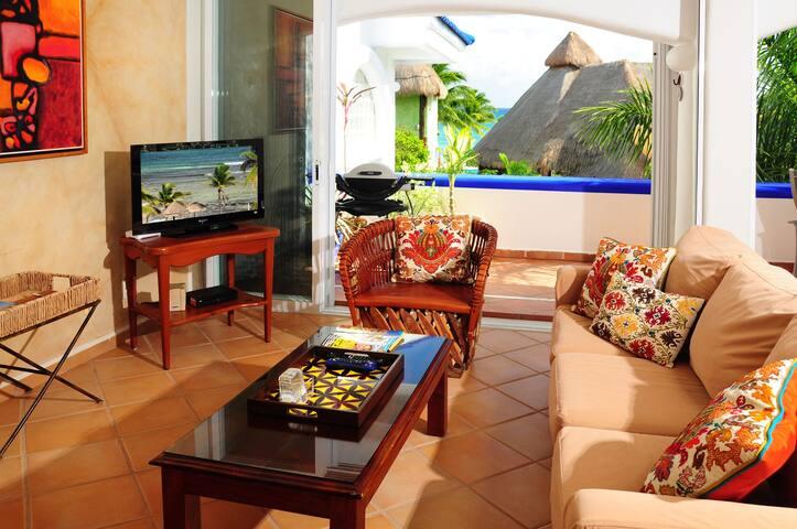 Cool condo steps the beach, Casa Buena Vista - Playa del Carmen - Appartement