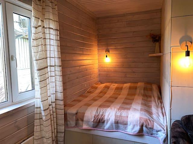 Спальня, двуспальная кровать