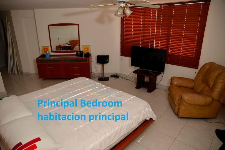 Luxury Room0 Av.Balboa-CintaCostera