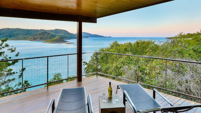 Ocean Front Large House Blue Pearl - Hamilton Island - House