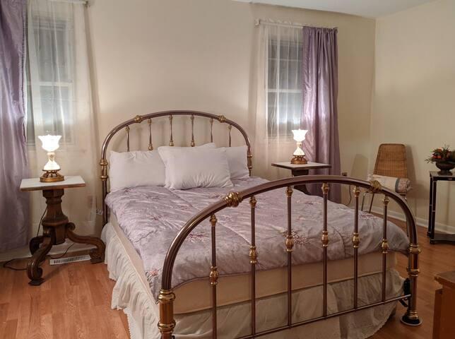 Private Room in Northeast Philadelphia(Bensalem)