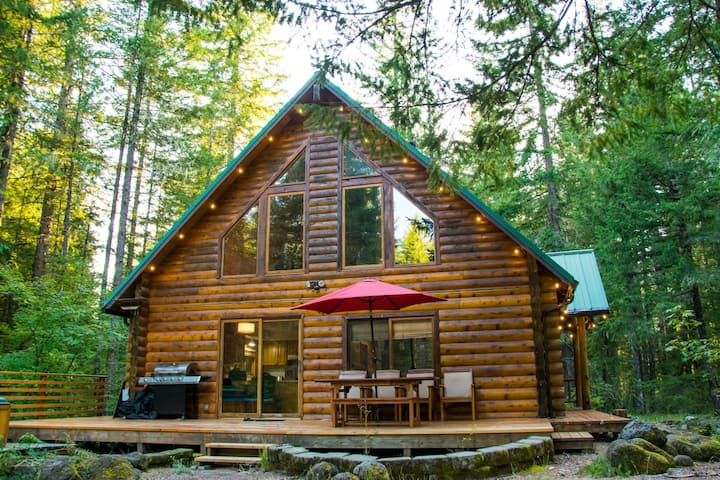 Majestic Mountain Home on Ten Acres