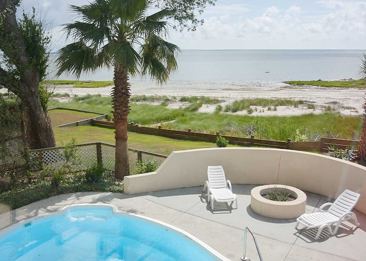 Waterfront home with private pool, beach access and wifi