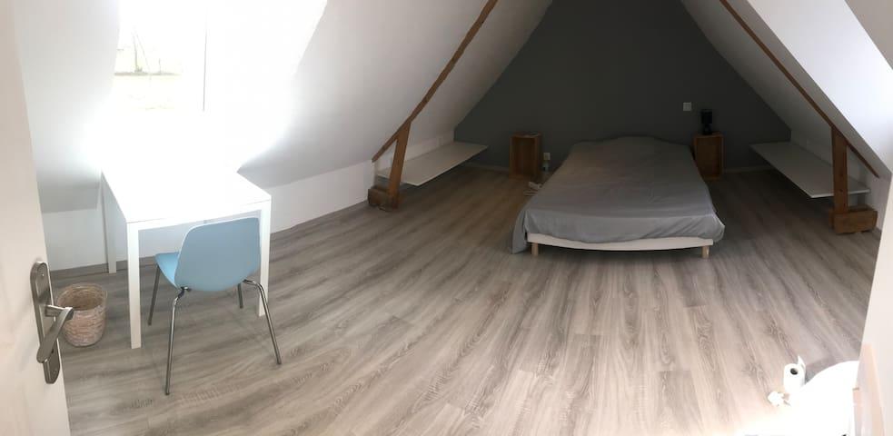 Chambre dans maison entièrement rénovée
