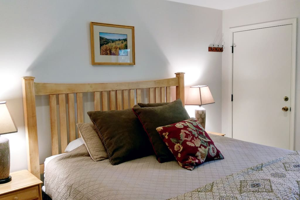 Beaver Creek West Condo W-1 Master bedroom with King bed