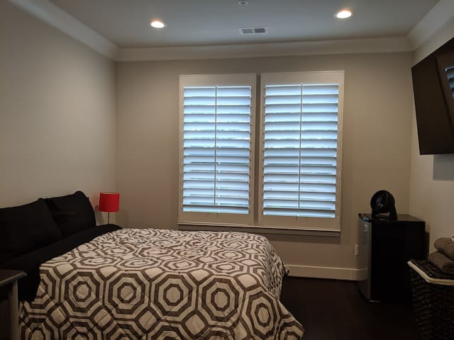 New Construction - Private Room - No Cleaning Fee