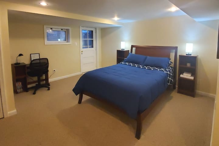 Beautiful and Private|TV|Patio|Perfect Location!