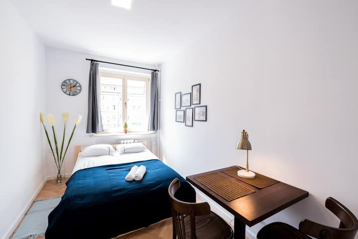 Double room in the middle of the town 4