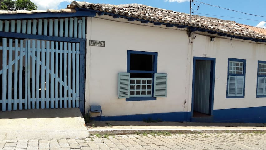 1 room in the Blue House - Goiás - Haus