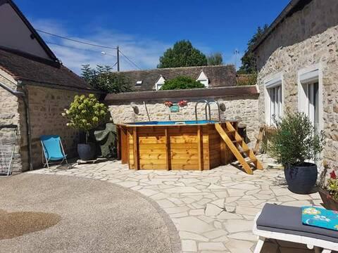 Maisonnette de charme indépendante avec piscine