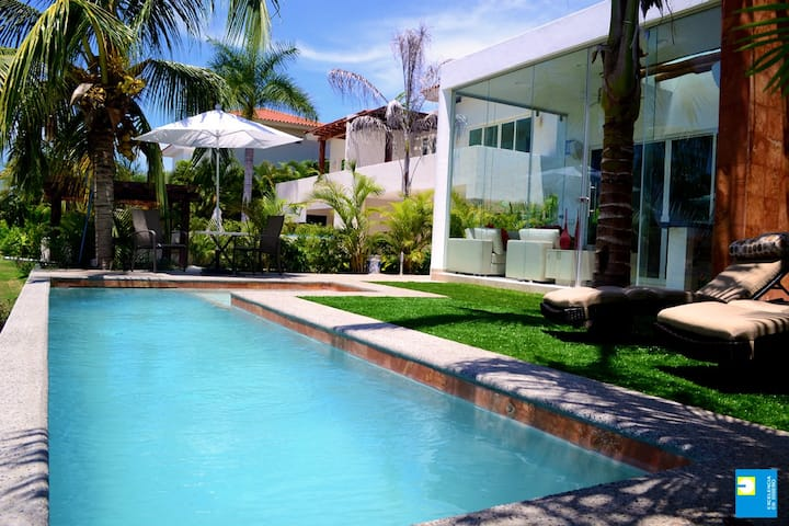 3 Bed House with Private Pool in El Tigre.