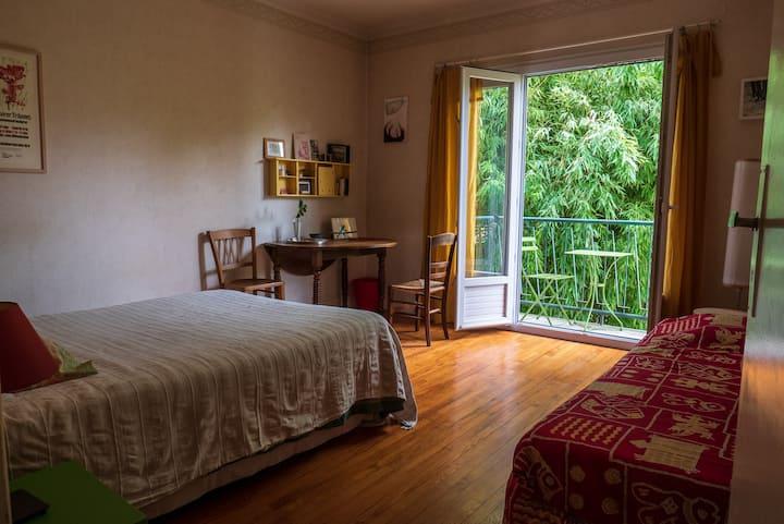 Chambre simple et accueillante