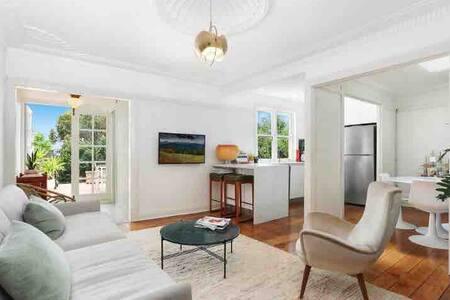 Gorgeous Art Deco penthouse apartment