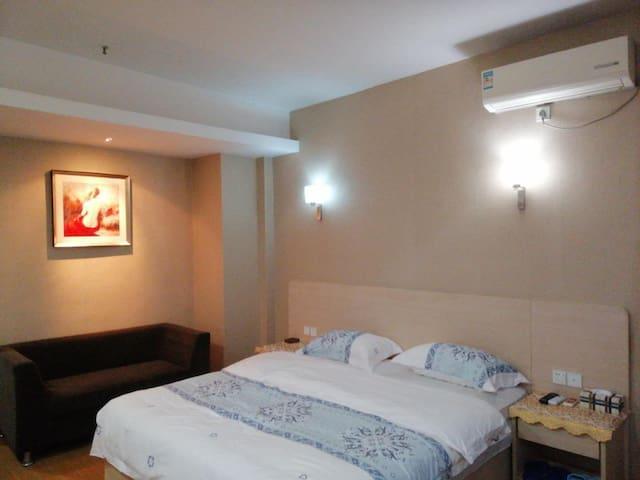 佳苑公寓欢迎您,本公寓为自助式公寓,大床房