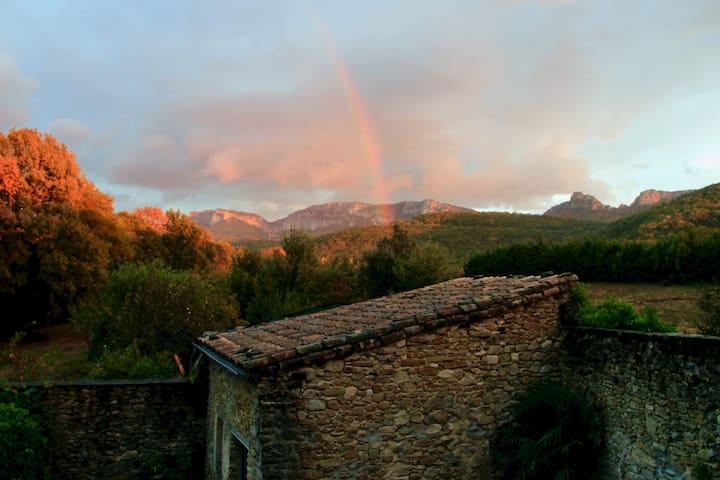 Gîte en Drôme provençale, la chambre d'hôte Eau