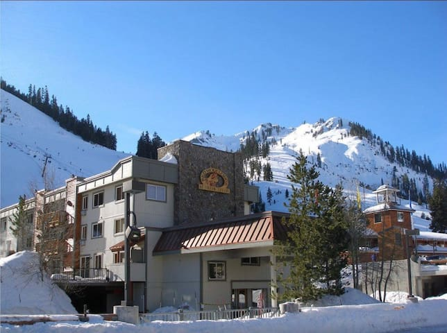 1 bet/2ba Squaw Valley Red Wolf Lodge - Olympic Valley - Andelsboende