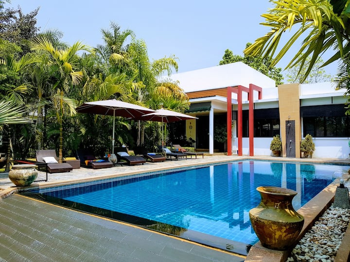 Luxury villa with infinity pool and maid service..