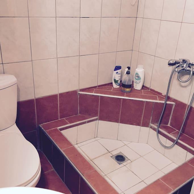 Μικρό & λειτουργικό μπάνιο