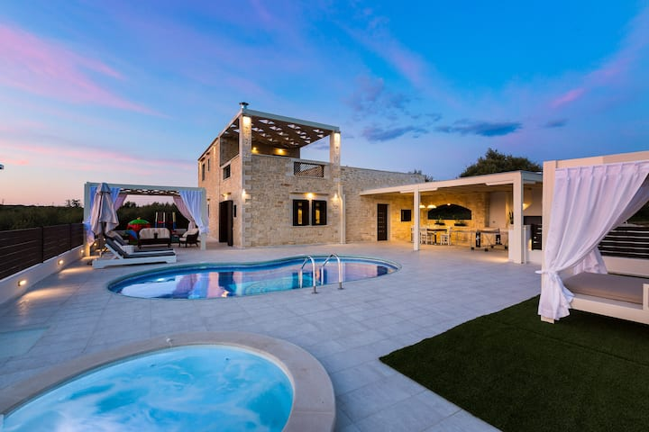 Caramel Villa, elegant escape!