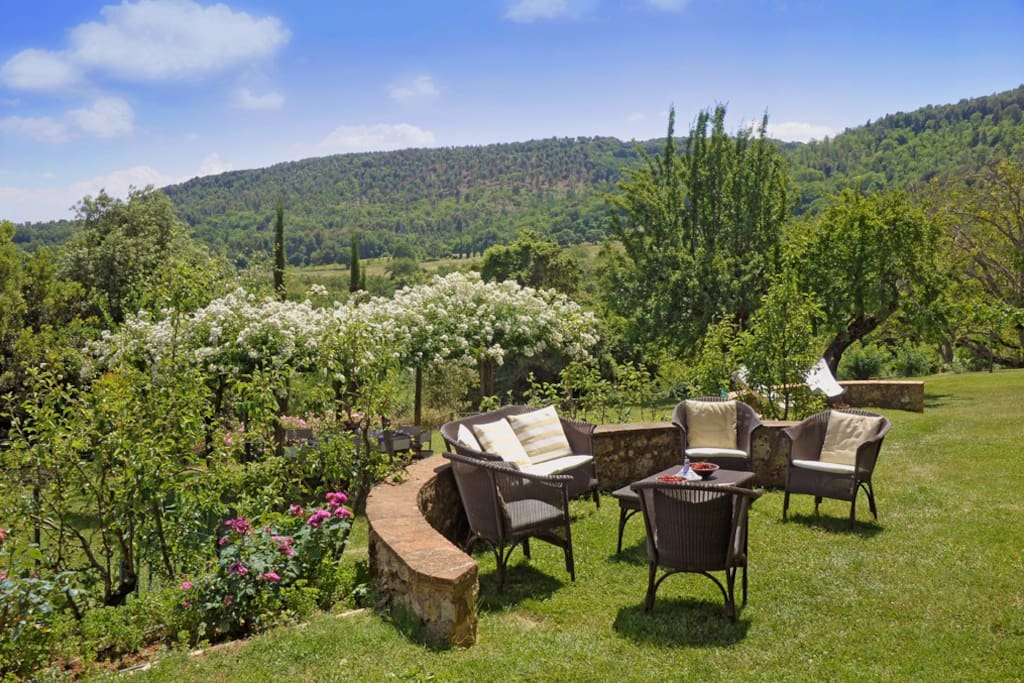 Outstanding view overlooking the villa