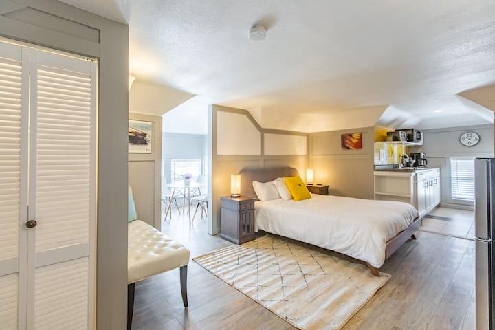 (803 #7) Luxurious Loft near Mayo Clinic
