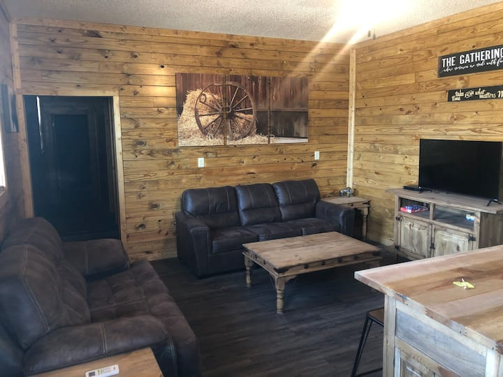 Lodge Cabin -New addition to Serenity Campground!