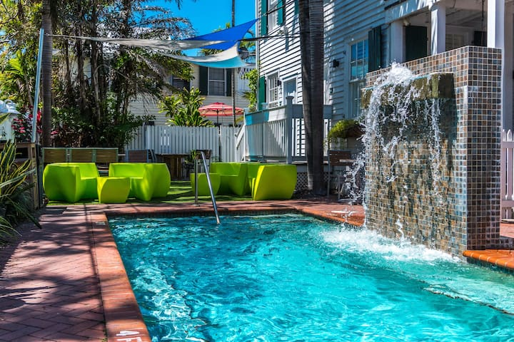 Escape to Key West! Bright Space with Access to Shared Outdoor Pool + Complimentary Bikes for Loan
