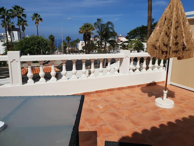 Hab. superior DOMVS vista mar,2 terrazas baño