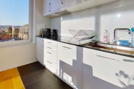 *SELF-CHECKIN*EXPAT DEAL* / 20MIN TO ZUG & ZURICH  BY CAR / MODERN & FULLY FURNISHED (C)