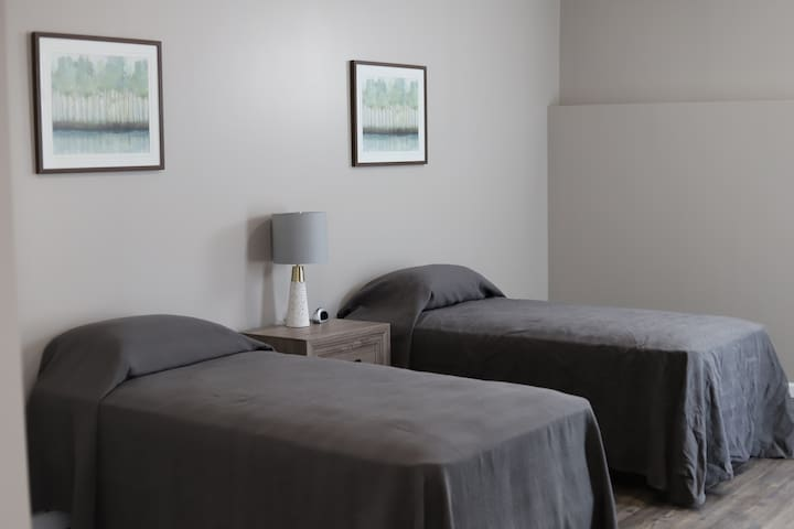 Bedroom 4 (2 Singles)