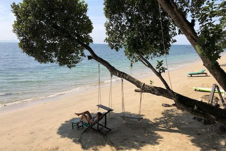 Koh Jum Ocean Beachfront Resort