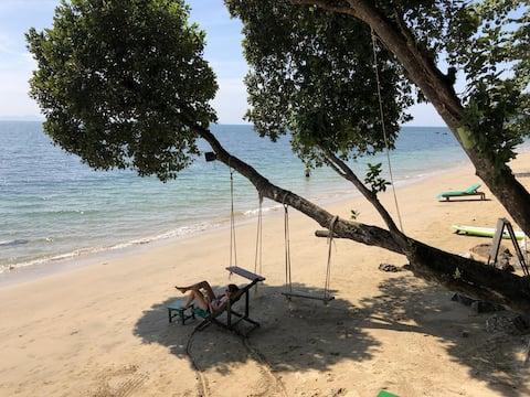 Koh Jum Ocean Beachfront Resort