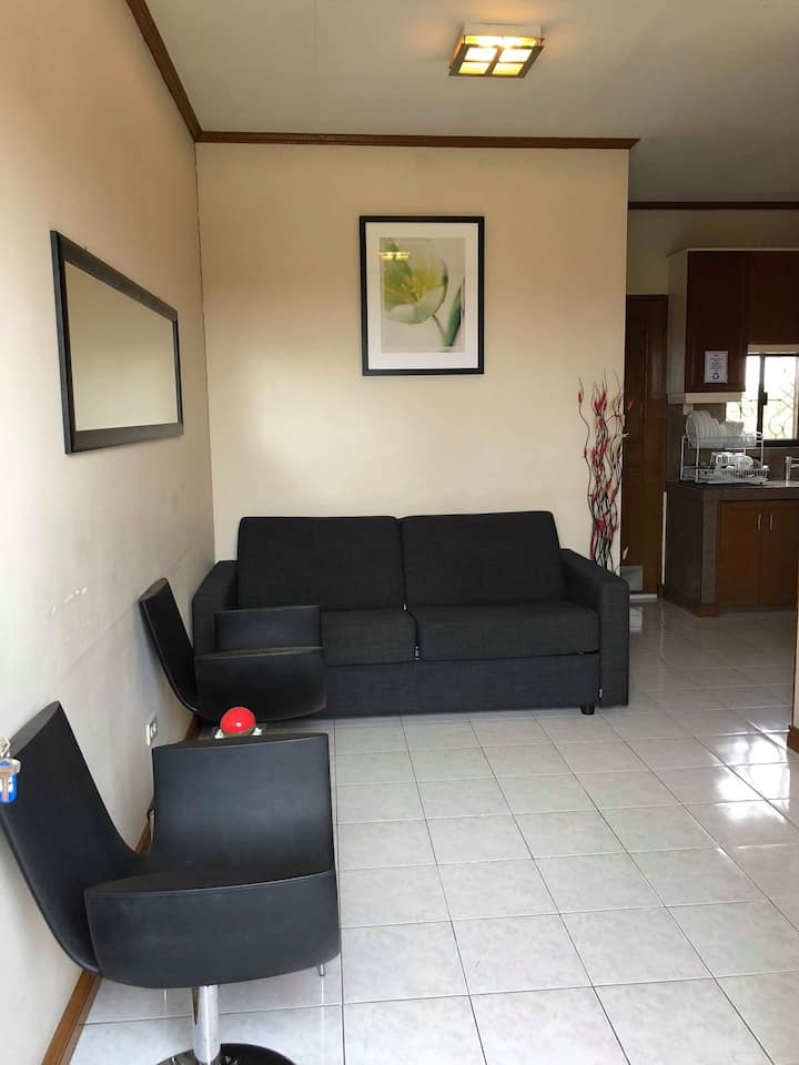 Modern Furnished 1 Bedroom Apartment Unit
