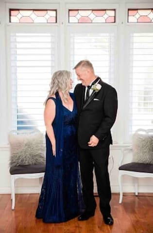 Mother and father of the bride. By: The Right Moments Photography