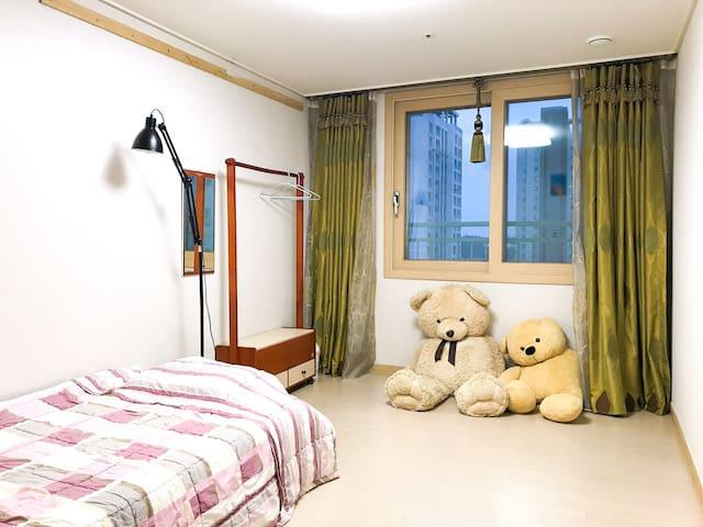 [출장, 실습 환영] 가장 비싼 아파트에서 멋진 뷰를 보며 안전하게 머무세요 :)