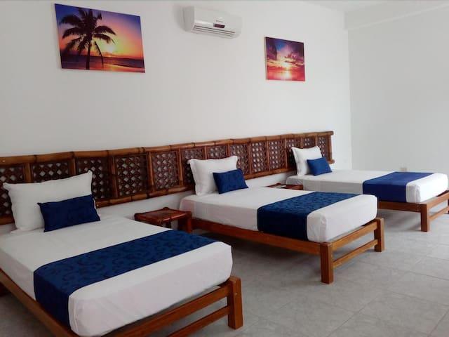 Habitación Triple - Playa Privada