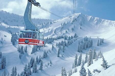 Snowbird Cliff Lodge 2BR Condo 3/17-24 sleeps 10