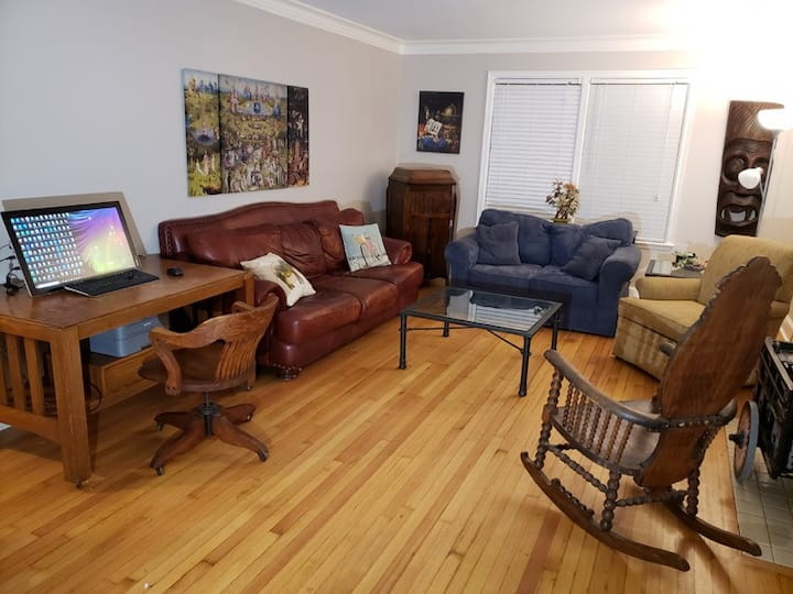 2 BR home, nice kitchen, sanitized with ozone