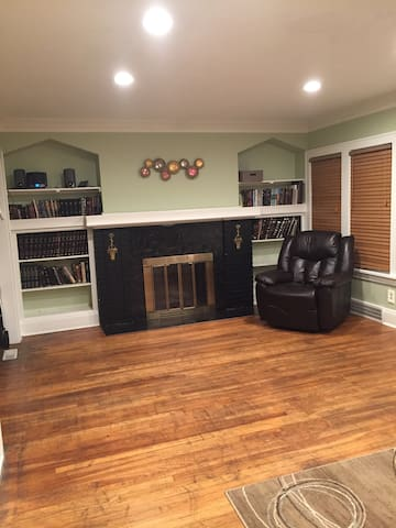 Amazing House in Cleveland Heights - Cleveland Heights - Apartment