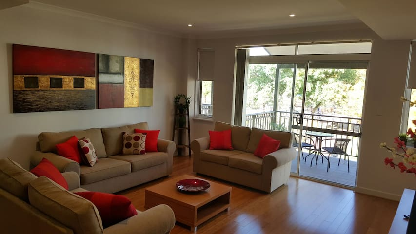 Charming apartment near Swan Valley - Ellenbrook